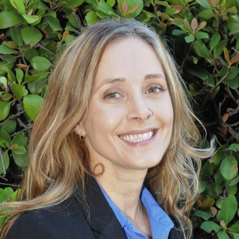 Rebecca Hartzell headshot