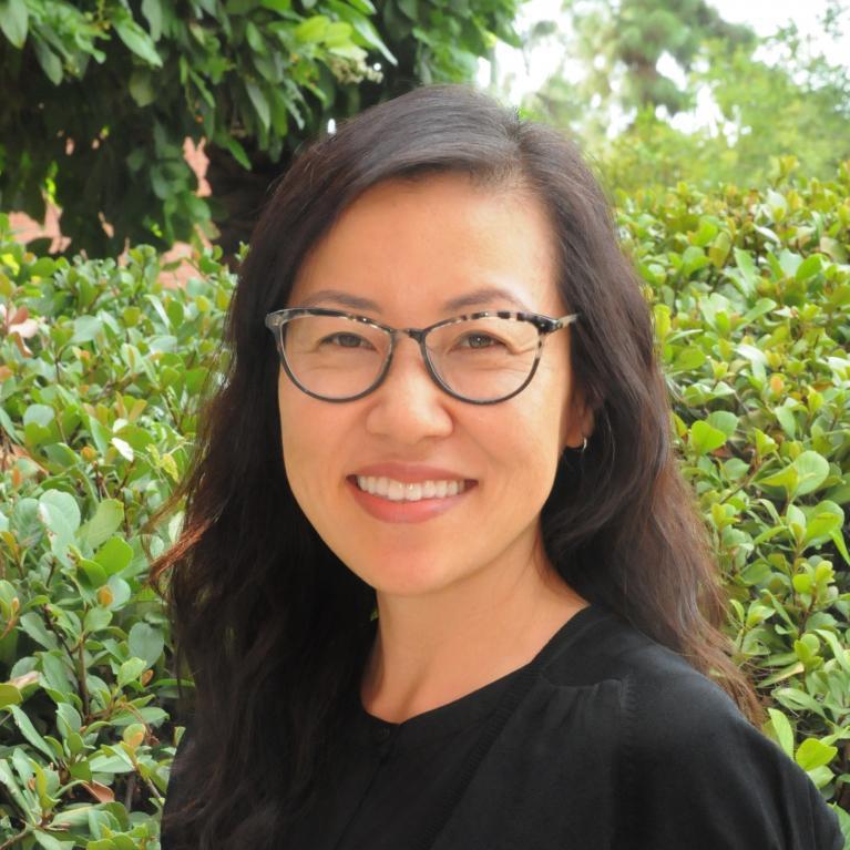 Jenny Lee headshot