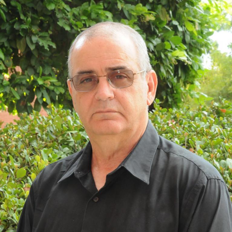 Paul Schutz headshot